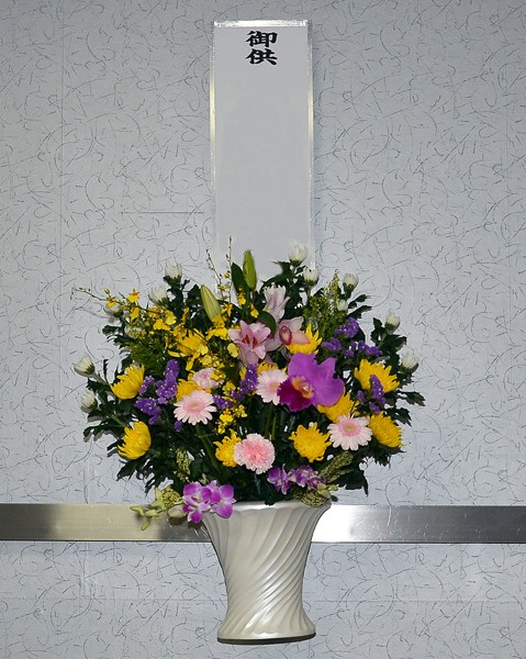 ホール内生花(壁掛)